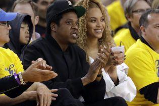 Jay-Z стал первым рэпером с состоянием в 1 млрд долларов