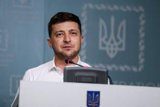 Зеленський надав громадянство 14 іноземцям, які воювали на Донбасі