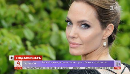Як та чим живе Анджеліна Джолі після розлучення з чоловіком