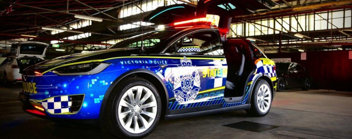 В Австралии полиция пересаживается на кроссоверы Tesla