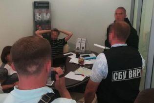 Правоохранители разоблачили рейдеров, которые захватили гранитный карьер и потребовали у владельца 10 млн гривен