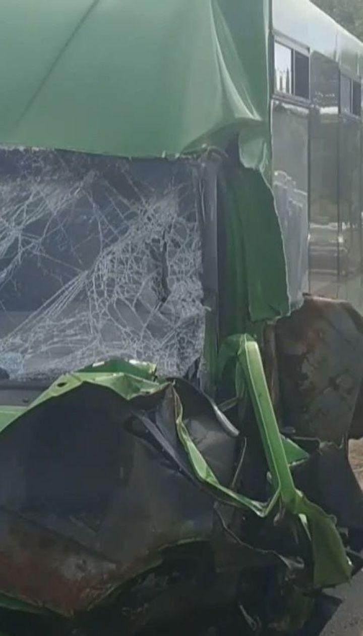 Десять человек пострадали в результате аварии в Харькове