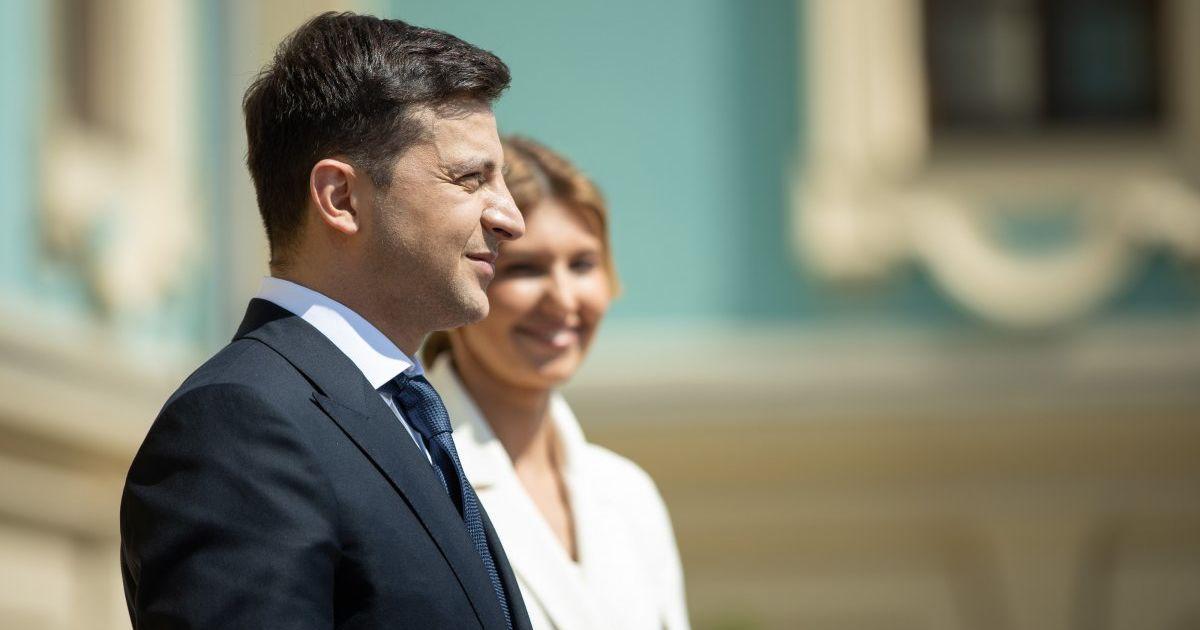 Елена Зеленская трогательно поздравила мужа с днем рождения и выложила совместное селфи