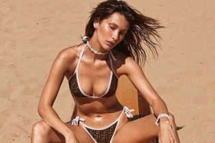 В бикини от Fendi: новые пляжные кадры с Беллой Хадид