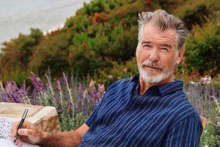 """66-летний """"Джеймс Бонд"""" Броснан снялся в яркой фотосессии"""