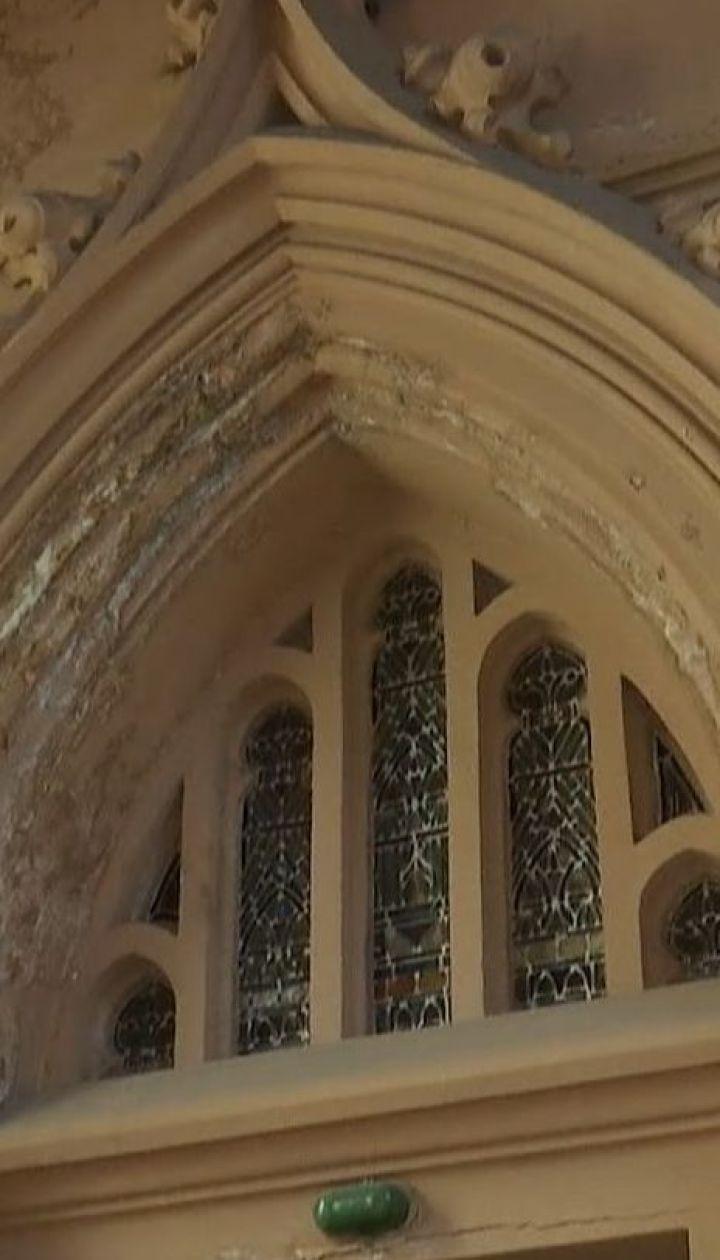 Порятунок костелу святого Миколая: найбільший католицький храм столиці будуть реставрувати