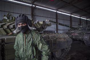 Росія посеред ночі перекинула на окуповану Луганщину озброєння та військову техніку