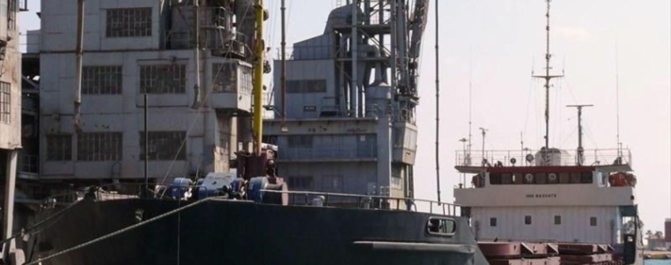 Пограничники не стали задерживать российское судно, которое на 5 миль зашло в территориальные воды Украины