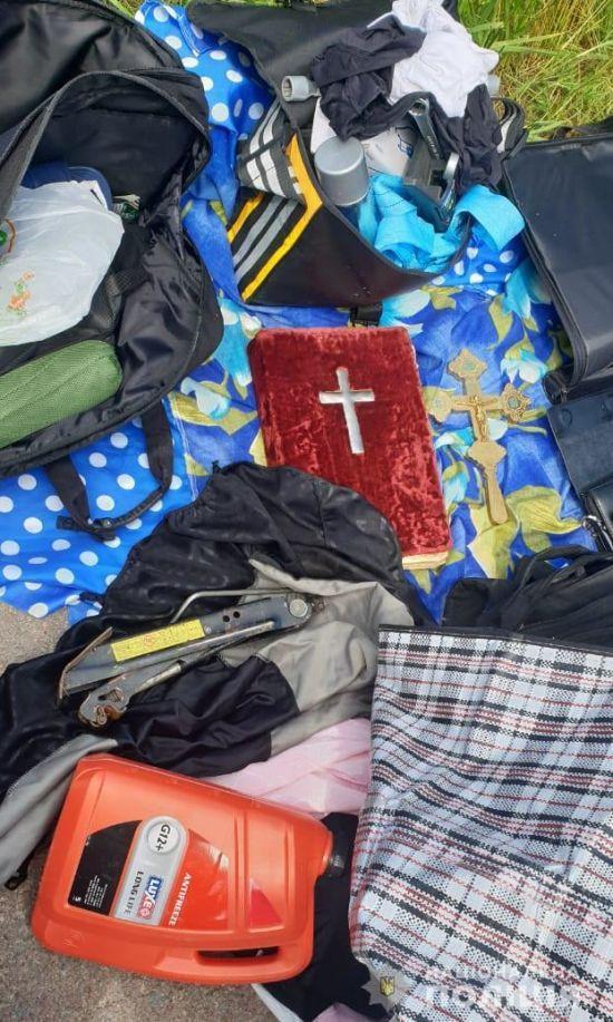 Поліція затримала чоловіка, який обікрав 40 храмів в Україні