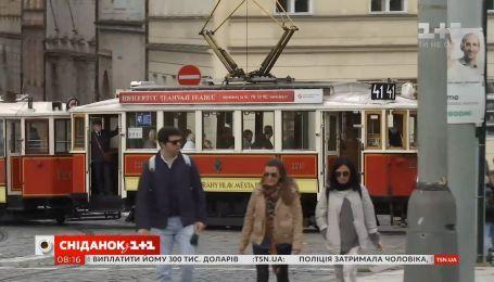 Конкуренция за украинцев: какие условия предлагают заработчанам в Чехии