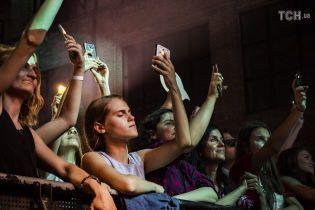 Нареп-концерті в Алжирі сталася смертельна тиснява, але виконавець продовжив виступ