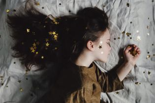 Смерть, падение и полет. Что означают самые распространенные сны и почему мы их видим