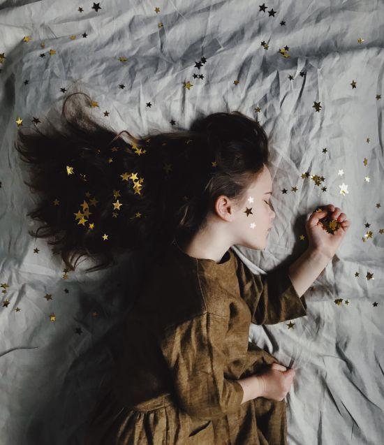 Смерть, падіння та політ. Що означають найпоширеніші сни та чому ми їх бачимо