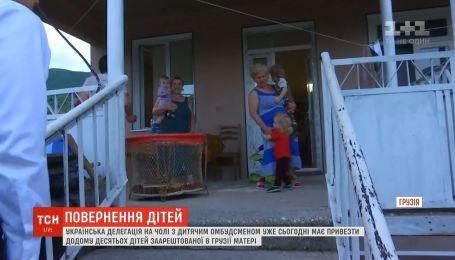 Президентский самолет вылетает за десятью украинскими детьми в Грузию