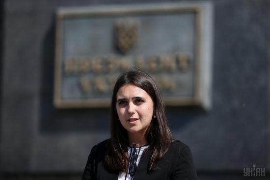 Заборона стріляти і зняття блокади. Речниця президента спростувала дві інформаційні маніпуляції щодо Донбасу