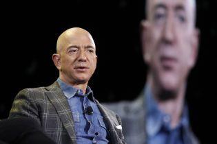 """Українською вийде книжка """"Листи Безоса. 14 принципів зростання бізнесу від Amazon"""" від експерта із технологій і ризиків Cтіва Aндерсона"""