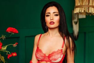 Сексуальная красотка: Анна Добрыднева показала фото в кружевном белье