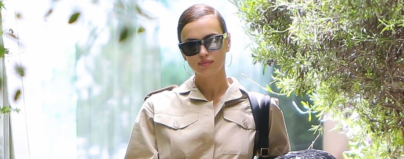 За Ириной Шейк охотятся папарацци: модель после расставания с Брэдли Купером сфотографировали с чемоданом