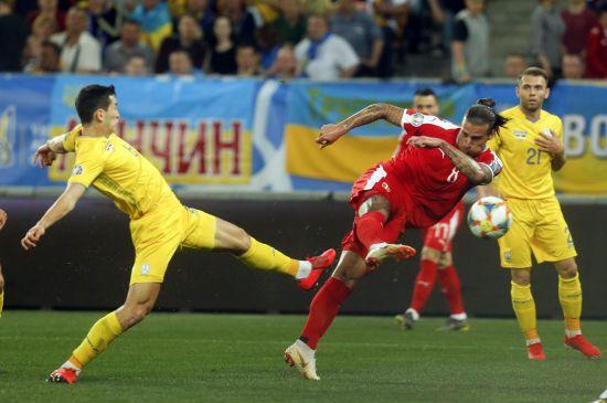 Розгром та перший гол Яремчука. Україна красиво розібралася із Сербією