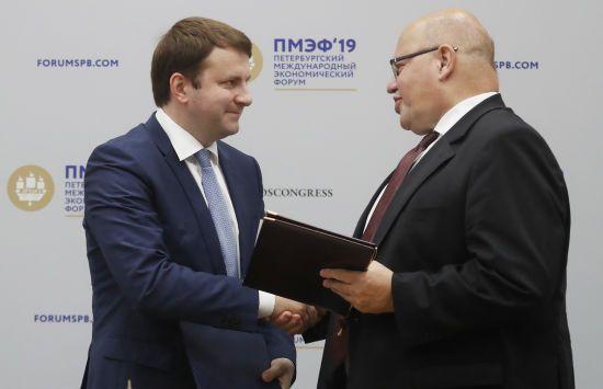 Німеччина та Росія підписали документ про посилення економічної співпраці попри санції