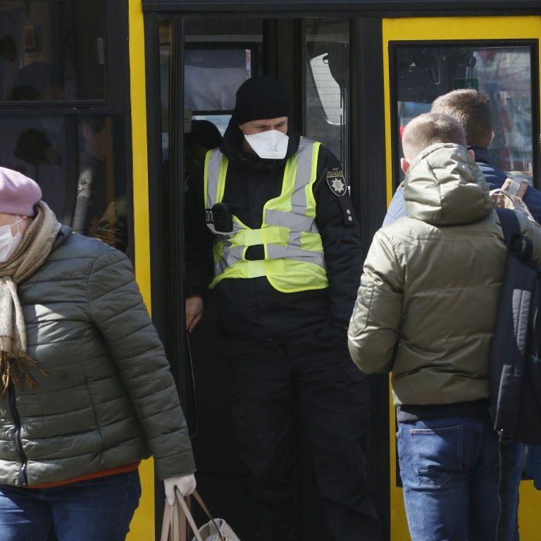 Жители Николаева собрали 17 тыс. грн штрафа, который выставили водителю автобуса за нарушение карантина