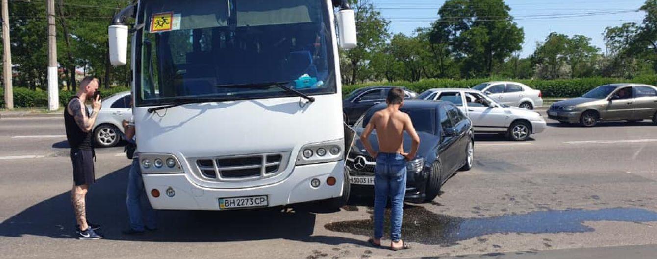 В Одессе попал в ДТП автобус, в котором ехала дочь Гриценко