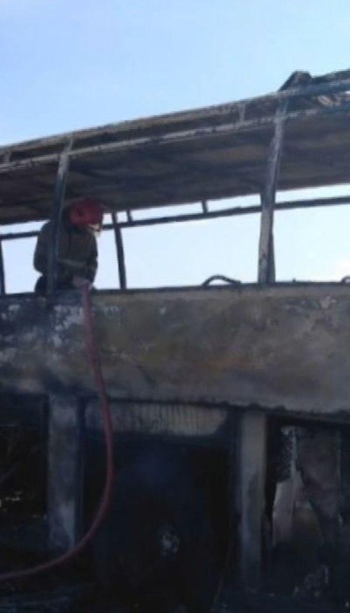 На Житомирщині під час руху загорівся пасажирський автобус