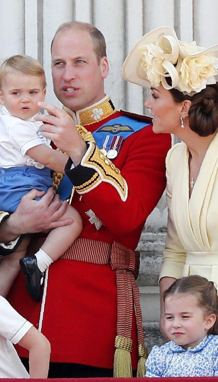 Британская королевская семья на торжественном параде в Лондоне