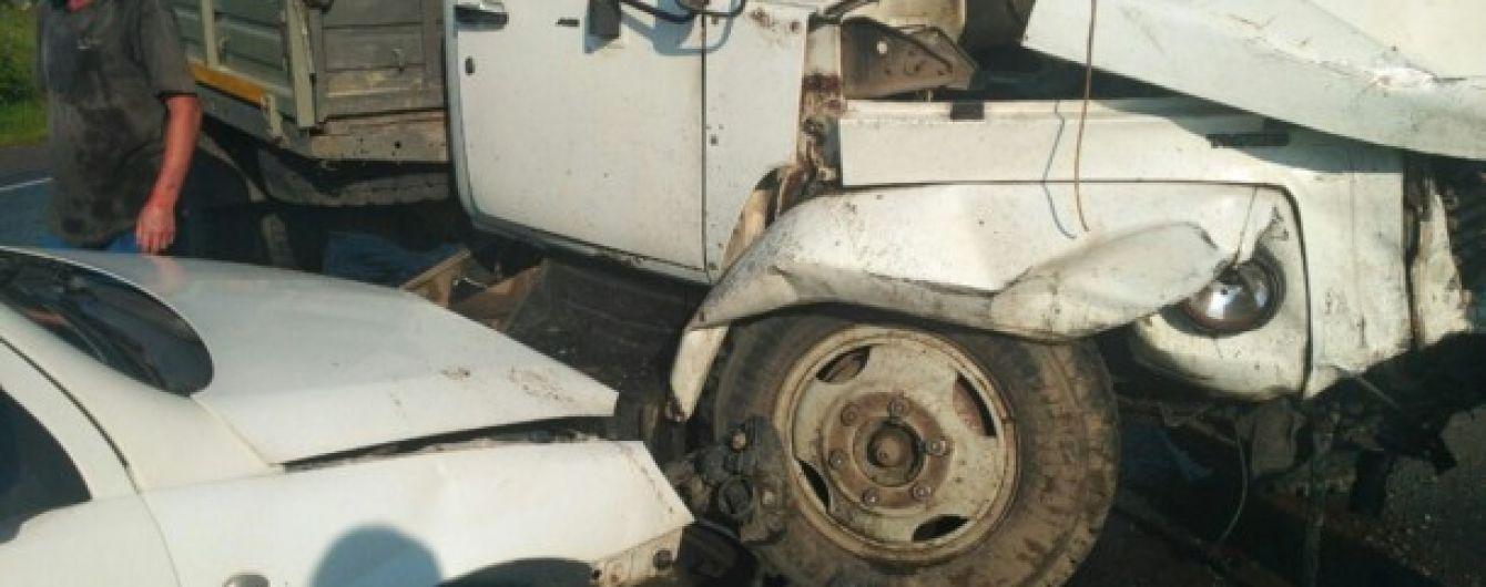 В результате аварии на Львовщине пострадали 16 человек и 4 машины