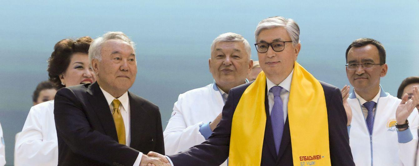 В окружении РФ и Китая. Казахстан выбрал президента, но молодежь жаждет свободы и протестует