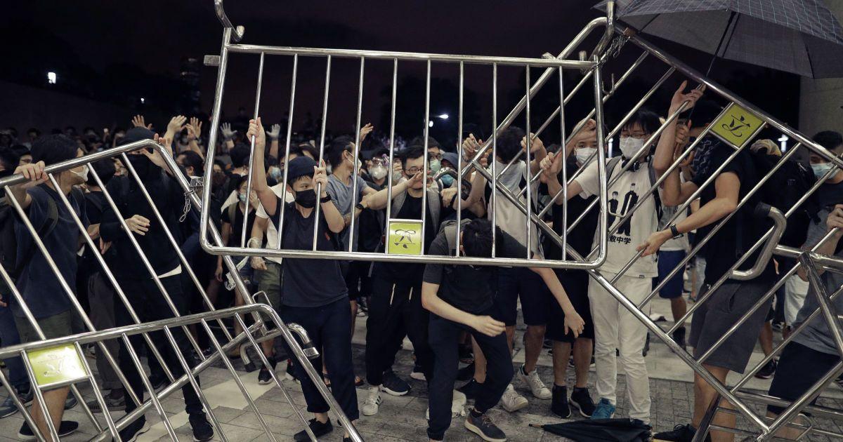 Протесты в Гонконге. Несмотря на успех митинга, автономии придется подчиниться Китаю