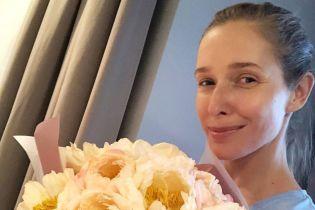 Прогулки с сыном и много цветов: Катя Осадчая показала, как проводит летние дни