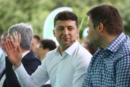 Зеленський пропонує люструвати всіх чиновників, які прийшли після Євромайдану. Як відреагували політики