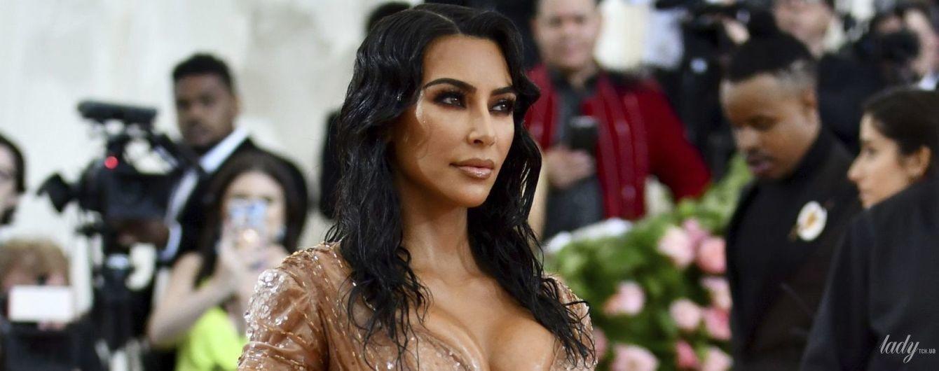 Невероятная талия: Ким Кардашьян показала, как выглядела в одном корсете перед Met Gala-2019