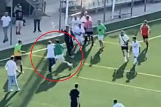 Футболист напал на тренера соперника во время матча Чемпионата Каталонии