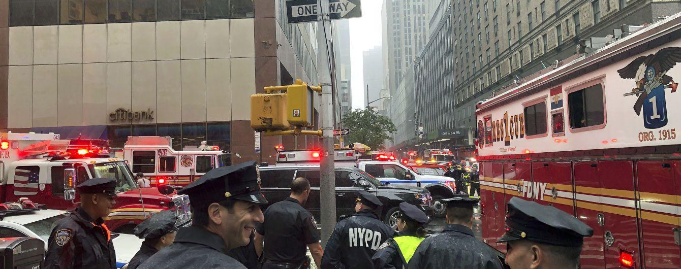 У Нью-Йорку на один із хмарочосів впав гелікоптер, є загиблі