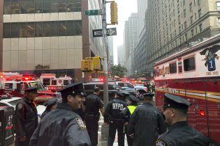 В Нью-Йорке на один из небоскребов рухнул вертолет, есть погибшие