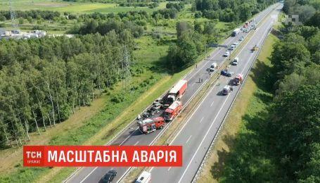 Украинец спас женщину и двух детей в аварии в Польше