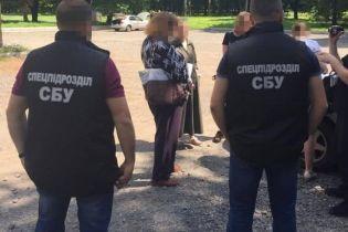 В Хмельницком женщина пыталась продать 15-летнюю дочь в сексуальное рабство