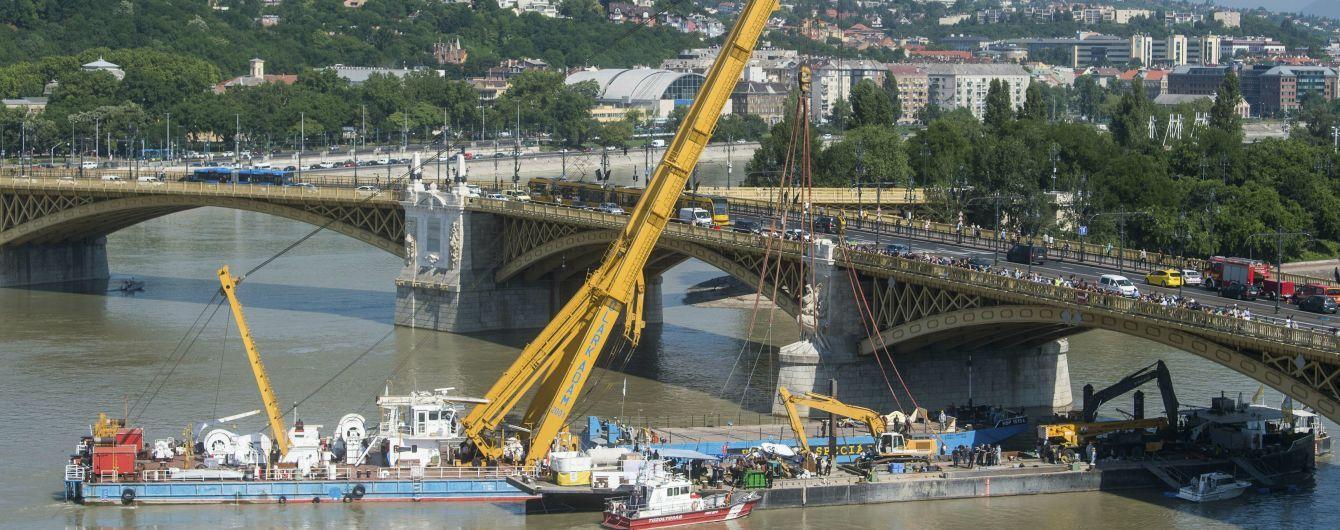 Кораблекрушение в Будапеште. Из Дуная вытащили затонувший катер – там нашли еще четырех жертв