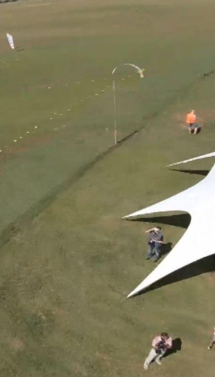На Херсонщине посреди поля устроили турнир по дрон-рейсингу