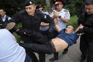 МВД Казахстана заявило, что во время президентских выборов задержало 700 участников протестов