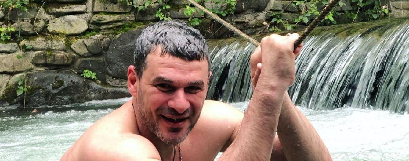 """""""Экстремал"""" Арсен Мирзоян показал, как прыгал вниз головой с обрыва в воду"""