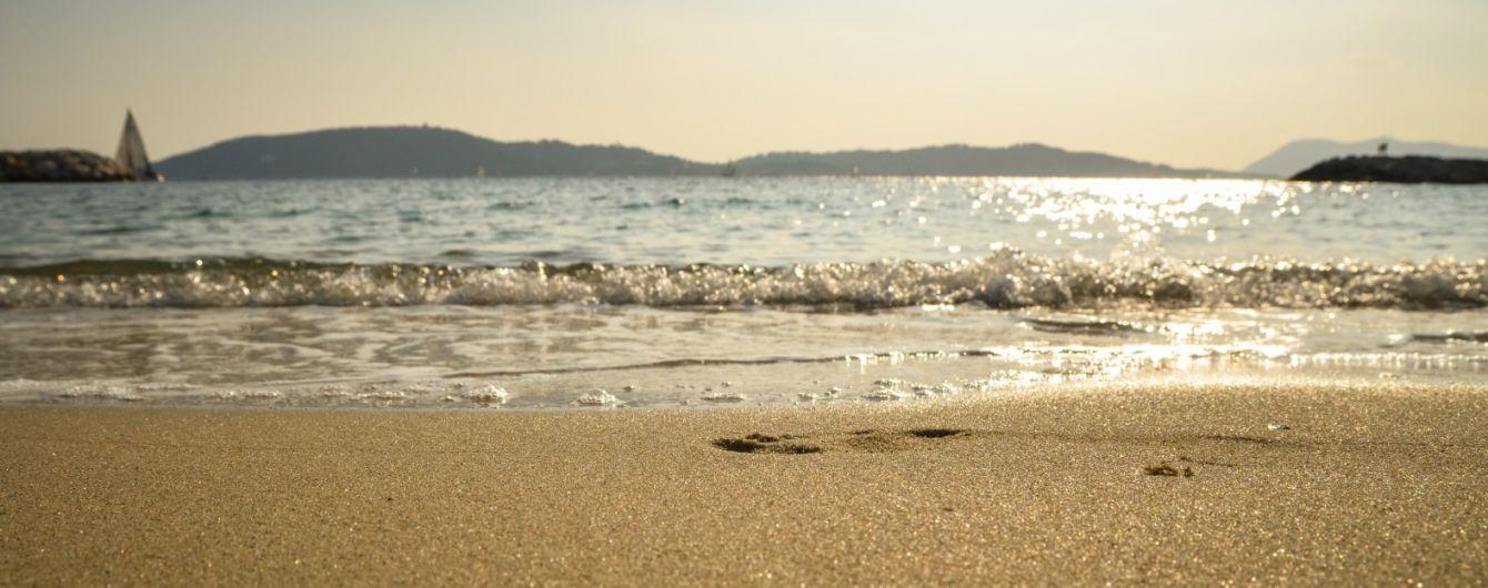 На морському курорті на Херсонщині потонула дівчинка: її на надувному колі віднесло у відкрите море
