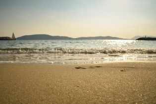 На морском курорте на Херсонщине утонула девочка: ее на надувном круге унесло в открытое море
