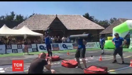 В Украине впервые провели чемпионат патрульной полиции по стронгмену