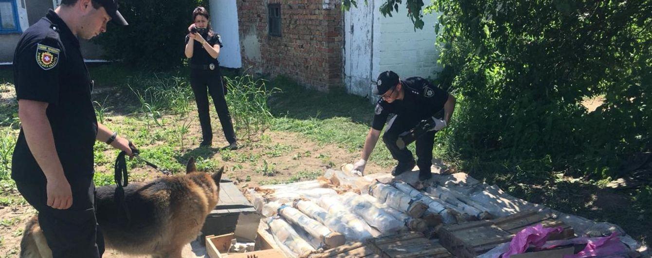 Сотни гранат и реактивных снарядов: на Ровенщине обнаружили один из крупнейших схронов с оружием