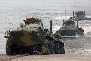 В России на учениях морпех утонул вместе с БТРом