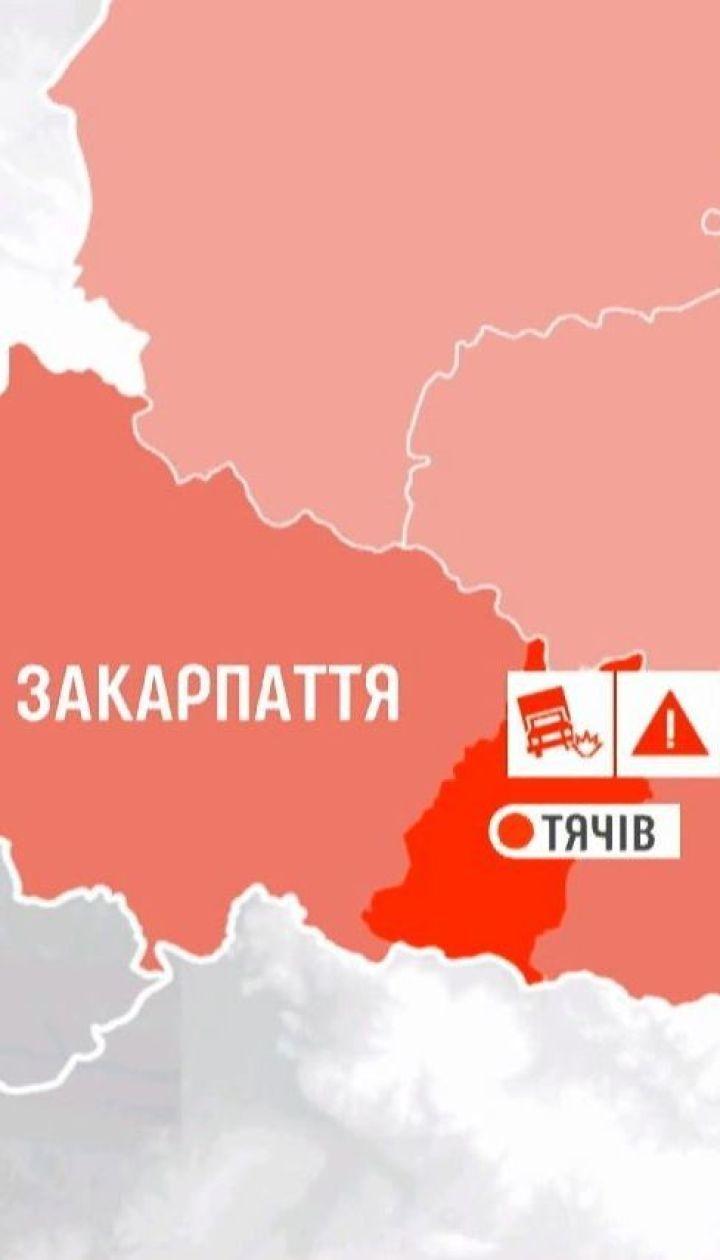 С горы в реку слетел грузовик на Закарпатье: пятеро погибших