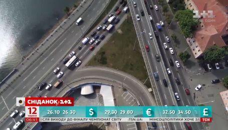 Пешком быстрее: почему Киев регулярно стоит в сплошной пробке
